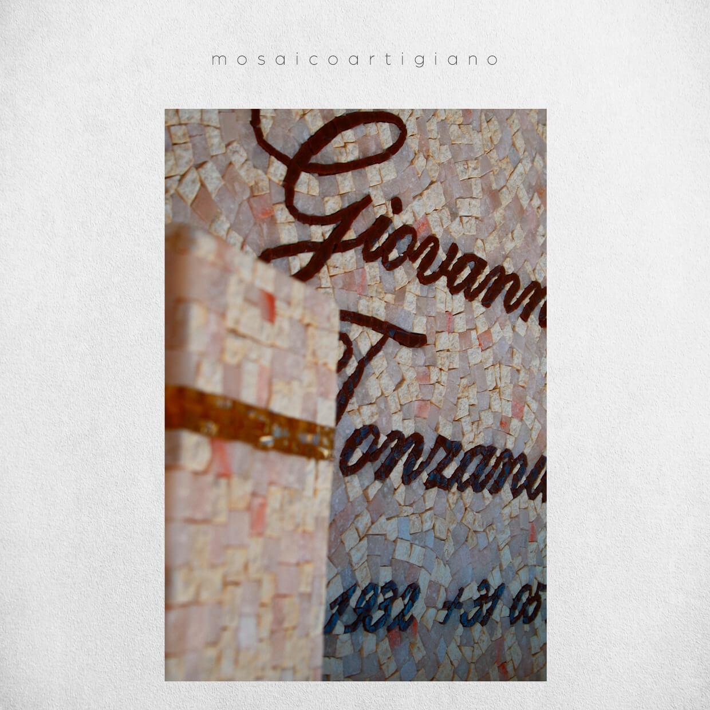 mosaico-arte-funebre-lapide-nome-1