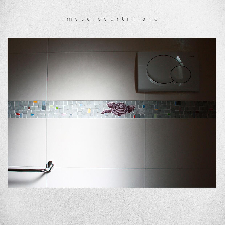 mosaico-parietale-cornice-bagno