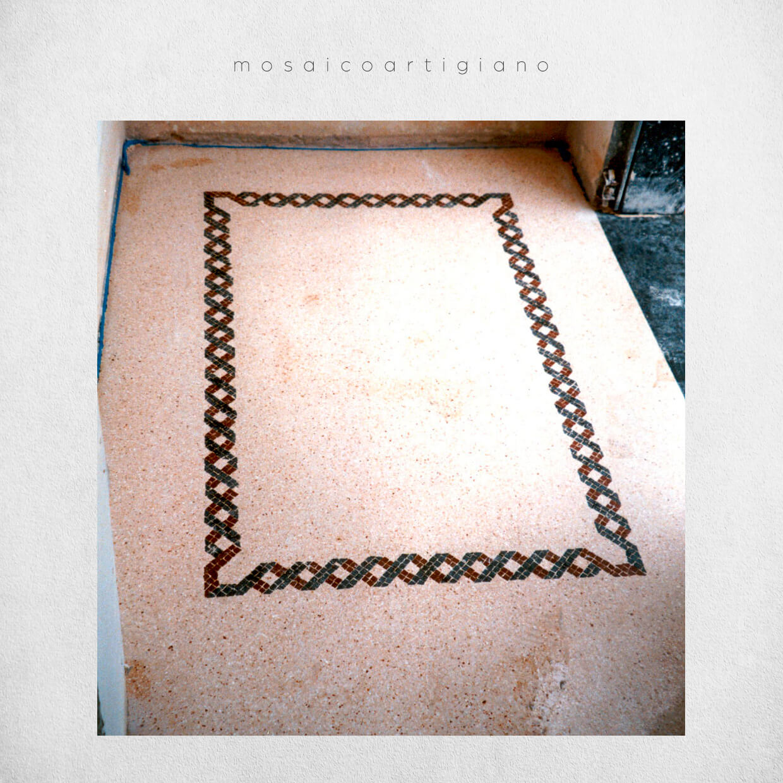 mosaico-pavimentale-cornice