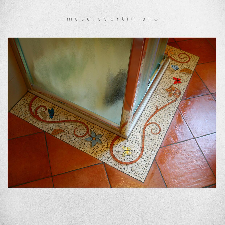 mosaico-pavimentale-inserto-cornice-box-doccia-2